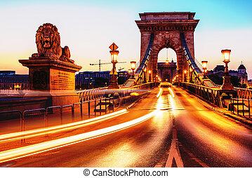 Budapest, Hungary: Szechenyi Chain Bridge