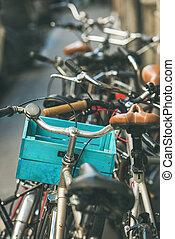 budapest, judeu, bicycles, rua, estacionado, quarto