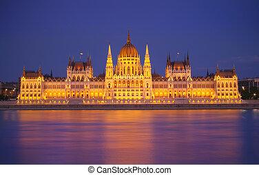 Budapest Parliament, night scene