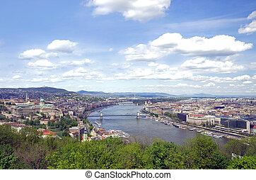 budapest skyline - skyline of budapest and river danube in...