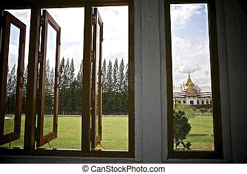 Budda in the Windows