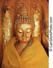 buddha, estatua, escultura, con, dorado, cara, en, templo,...