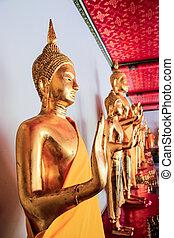 Buddha in Wat Pho thailand