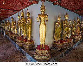 Buddha long corridor at Wat Pho