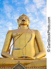 buddha statue and blue sky