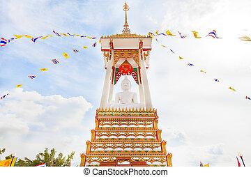 Buddha, White Buddha in Yansittaram, Thailand temple.