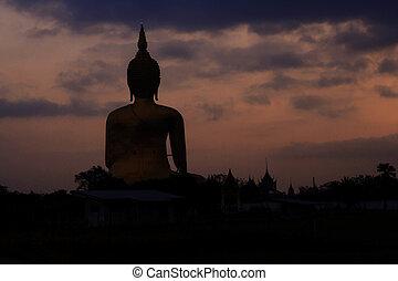 Buddhas with the sunrise.