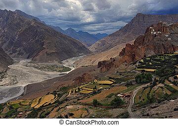 buddhist, över, dem, gonpa:, by, jättestor, fält, spiti,...