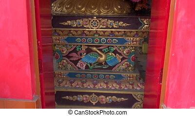 buddhist temple ornate decorations