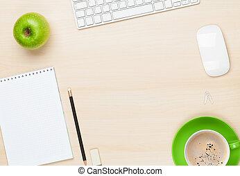buero, tisch, mit, notizblock, edv, und, kaffeetasse
