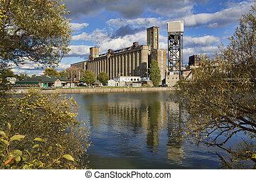 Buffalo Waterfront - Grain elevator along the Buffalo, New...