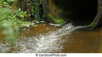 Build cement concrete pipe drainage canals drain the fluid...