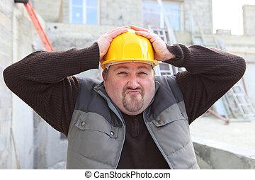 Builder shielding head