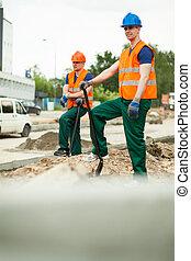 Builders having break