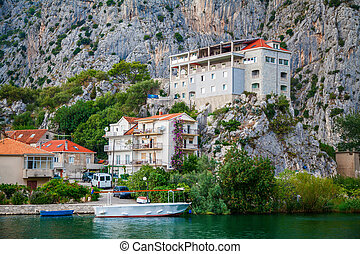 buildings in the small town Omis