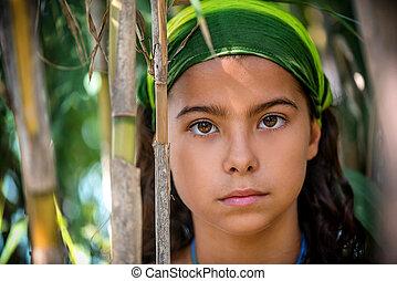 buissons, portrait, petite fille