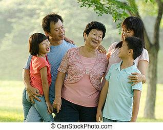 buiten, kwaliteit, aziatische familie, tijd
