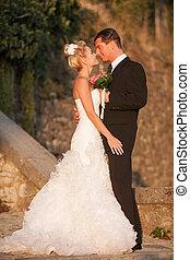 buiten, -, paar, bruidegom, park, bruid, getrouwd