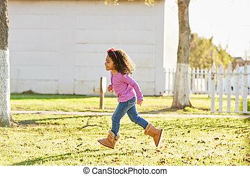buiten, park, rennende , meisje, toddler, spelend, geitje