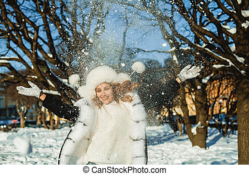 buiten, winter jas, vrouw, plezier, hebben, vrolijke