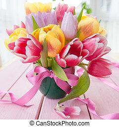 bukiet, tulipany, świeży