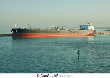 Bulk Carrier - An empty bulk carrier waiting at the quayside...