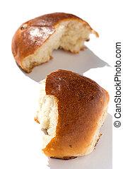 bun with sultana closeup