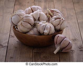 garlic in a wooden bowl
