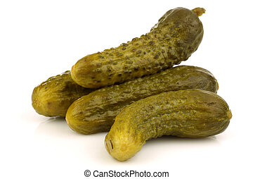 bunch of green pickles