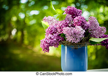 bunch of lilac flowers