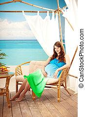bungalow, femme, plage, pregnant