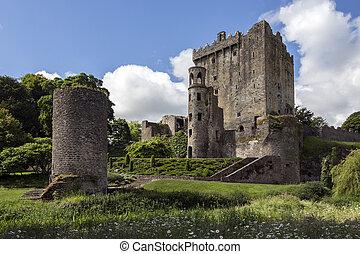 Bunratty Castle - County Clare - Republic of Ireland -...