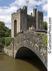 Bunratty Castle - County Clare - Republic of Ireland