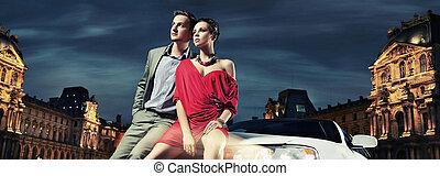 bunte, bild, von, schöne , paar, sitzen, in, a, limousine