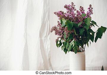 buquet, espaço, lilás, mães, roxo, life., cerâmico, primavera, rural, flores, experiência., concept., text., rústico, ainda, olá, vaso, modernos, day., páscoa, feliz