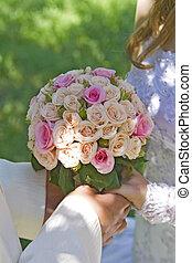 buquet, mão, rosas