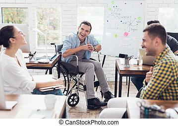 bureau affaires, moments, bureau., ouvriers, moderne, discuter, fauteuil roulant, homme