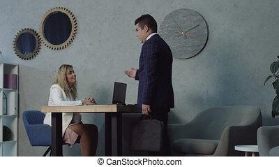 bureau, application, entretien travail, sérieux, homme