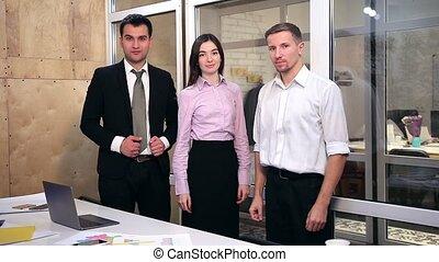 bureau, business, confiant, équipe, pli, mains
