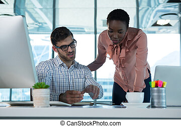 bureau, cadres, travailler ensemble