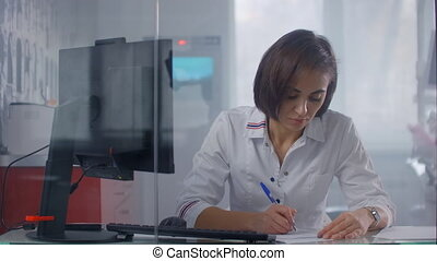 bureau, clinique, infirmière, table, séance, hôpital, haut fin, docteur, dactylographie, ordinateur portable, jeune, femme femelle, computer.