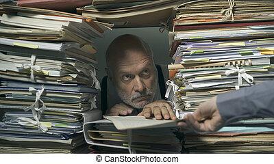 bureau, commis, terrifiant, surchargé, paperasserie