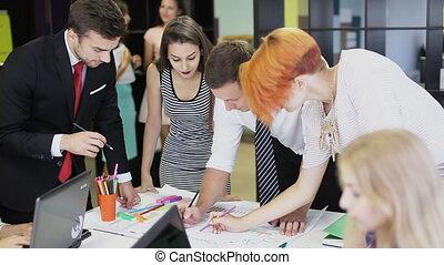 bureau, créatif, projet, équipe, discuter, heureux