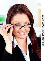 bureau, elle, séance, femme affaires, tenue, sérieux, lunettes