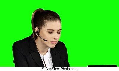 bureau., fâché, helpdesk, vert, femme, conseiller, écran