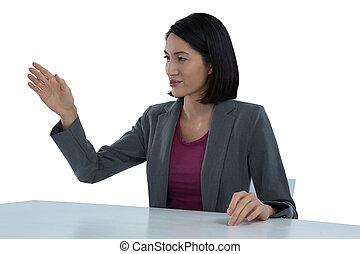 bureau, faire gestes, femme affaires