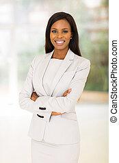 bureau, femme affaires, bras, américain, traversé, afro