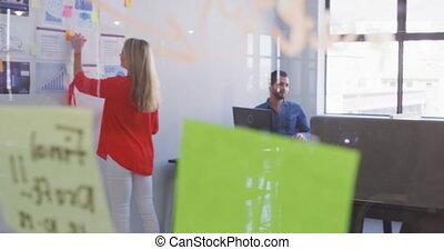 bureau, femme affaires, fonctionnement, moderne