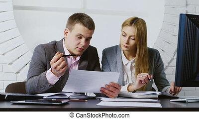 bureau, femme, fonctionnement, homme affaires