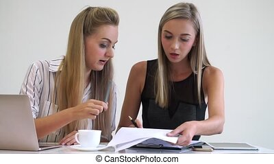 bureau., femme, moderne, blond, business, fonctionnement
